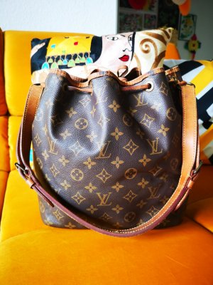 Louis Vuitton petit