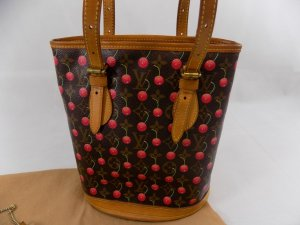 Louis Vuitton Petit Bucket Cerise - LIMITED EDITION -