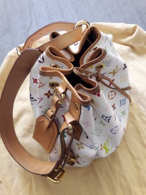 Louis Vuitton Carry Bag white