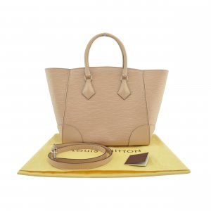 Louis Vuitton Phenix MM @mylovelyboutique.com