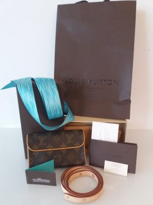 LOUIS VUITTON Pochette Florentine Full Set Monogram Canvas