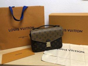 Louis Vuitton Pochette Metis Reverse Monogram