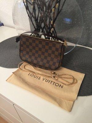 Louis Vuitton Pochette mit Trageriemen/Kette