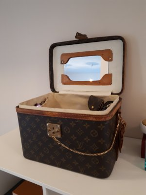LOUIS VUITTON Train Case Vintage