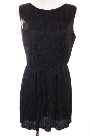Love Mini vestido negro look casual