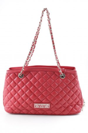 Love Moschino Handtasche rot-goldfarben Steppmuster Street-Fashion-Look