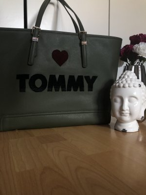 Love Tommy