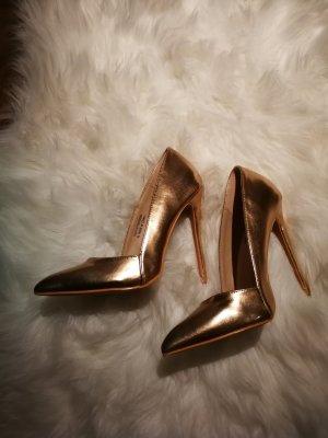 low cut high heel pumps