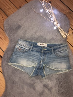 Low Rise Jeans-Shorts