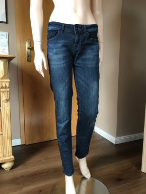 Low Rise skinny fit Jeans von ZARA basics in Größe 40.