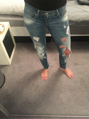 Low-Waist Destroyed Jeans W25/L32 Only