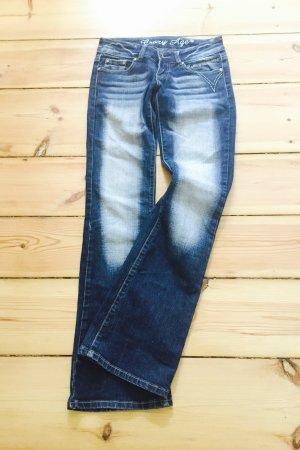 Low Waist Jeans mit leichtem Bootcut, dunkelblau mit weissen Bleachings