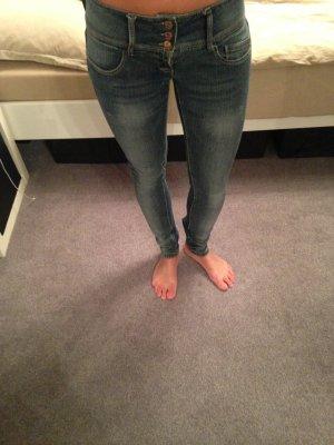 Low-Waist Jeans von Only Gr. XS (W25 L32)