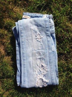 LTB Destroyed Jeans, helle Waschung, Größe 34 XS, Skinny Jeans, Tragebild inkl.