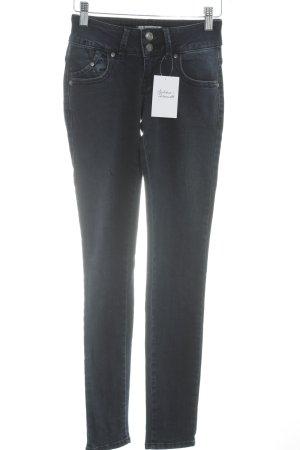 LTB Jeans cigarette bleu foncé style mode des rues