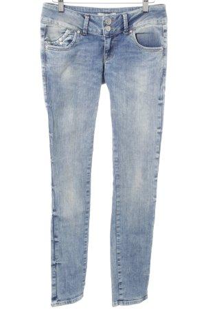 LTB Slim Jeans blassblau-graublau Street-Fashion-Look