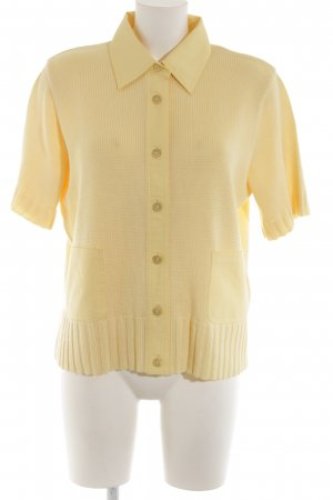 Lucia Short Sleeve Knitted Jacket primrose casual look
