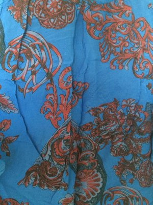 Luftig leichtes Shirt in blau-rot