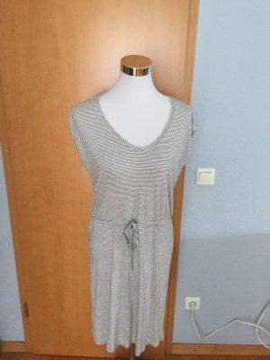 luftig-leichtes Sommer  Kleidchen, Größe M