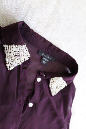 Luftige Bluse mit kleinen weißen Perlen