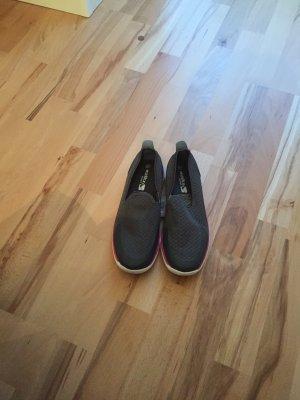 Luftige Schuhe neu und ungetragen