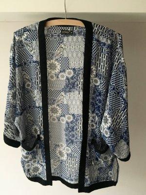 Luftiger, gemusterter Kimono