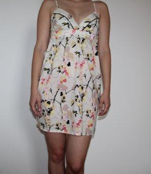 Luftiges, gemustertes Sommerkleid