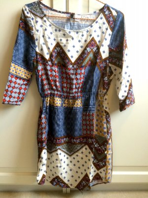 Luftiges H&M Kleid Patcheslook