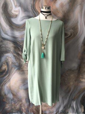Luftiges Kleid in mintgrün