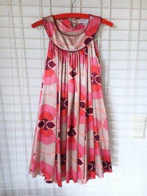 Luftiges Kleid mit Blumenprint