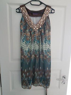 luftiges Kleid mit glitzer Steinchen