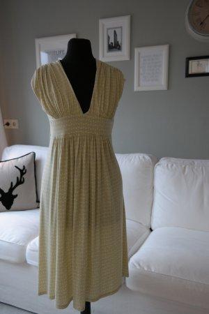 Luftiges Kleid mit Muster