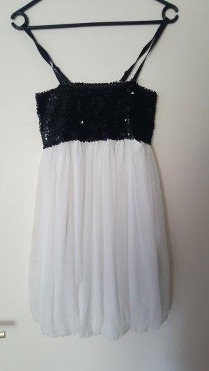 luftiges Kleid mit Pailetten
