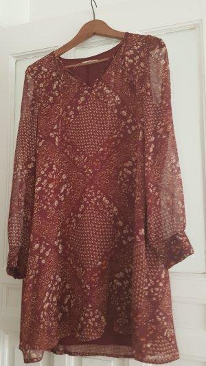 Luftiges lässiges Blümchen Kleid mit transparenten Ärmeln