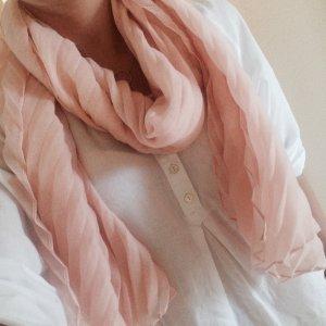 Luftiges Rosa Halstuch / Schal