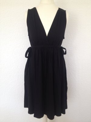 Luftiges schwarzes Kleid | zum schnüren
