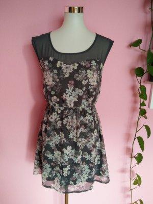 Luftiges Sommerkleid mit Blumenaufdruck (Box 1)
