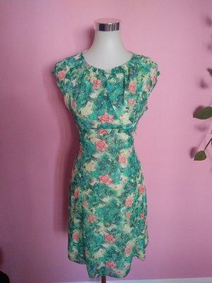 Luftiges Sommerkleid mit Blumenprint (Box 2)