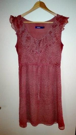 Luftiges Sommerkleid mit Volantkragen