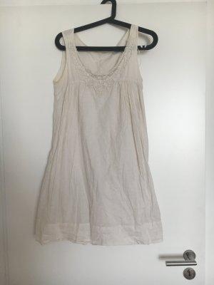Luftiges Sommerkleid von Zara
