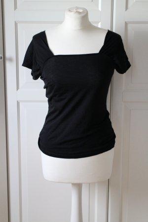 Luftiges T-Shirt aus dünnem Stoff