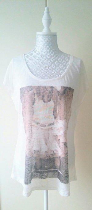luftiges weiss/cremefarbenes T-Shirt mit Print von Review