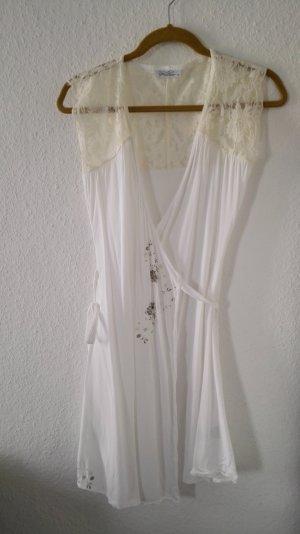 Luftiges Wickelkleid mit Spitze