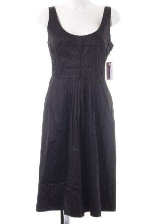 Luisa Cerano Trägerkleid schwarz schlichter Stil
