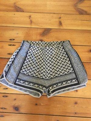 Lurex shorts von lala Berlin