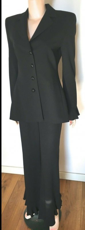 Escada Trouser Suit black new wool