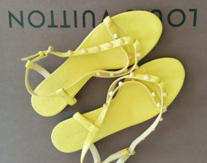 Balenciaga Toe-Post sandals gold-colored-yellow leather