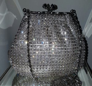 Luxus Clutch mit funkelnden Swarowski Kristallen