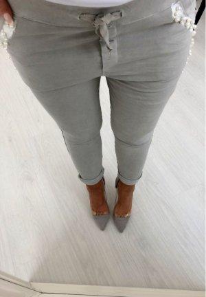 Luxus Hose mit Perlen bestickt und BLING BLING Skinn  Röhre Hüfthose Jogger  jogpants  Stretchhose grau-Silber passt bei S- L