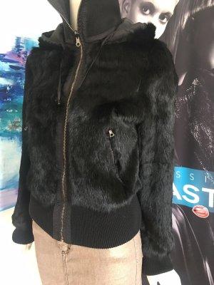 Luxus Konvolut Pelz wendejacke Fell Hugo Boss D&G Jeansrock trussardi Blazer und burberry Poloshirt Small uvm Louis